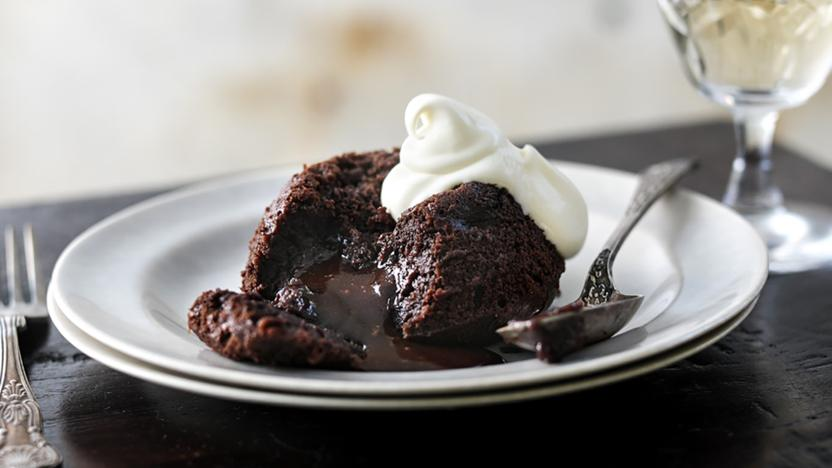 Low Carb Chocolate Lava Cake / Mini Sponge