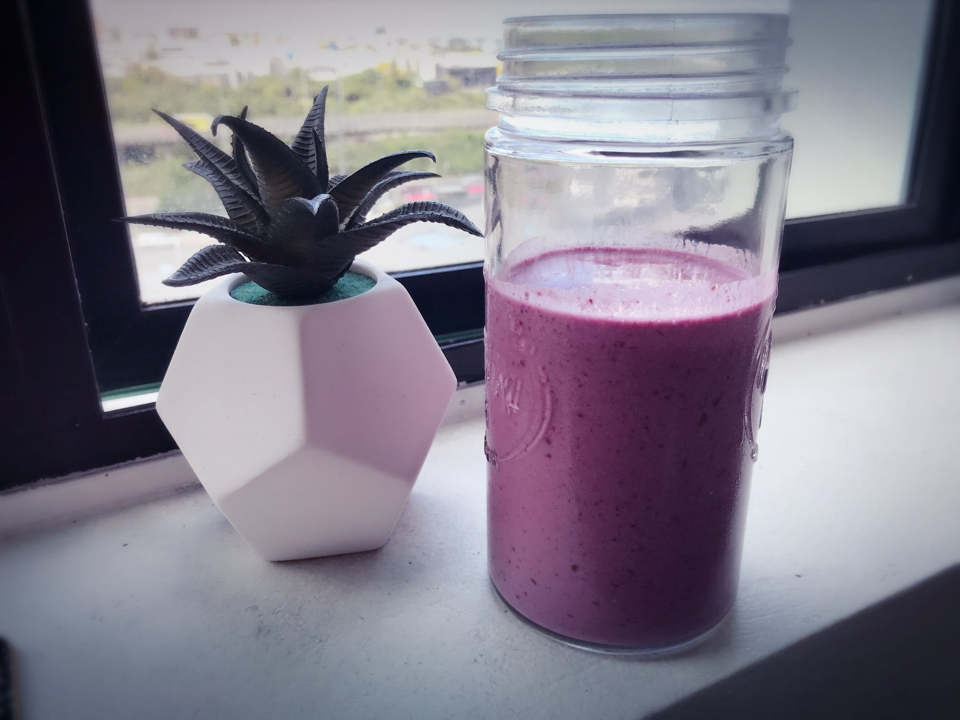 Low Carb Berry Smoothie Recipe