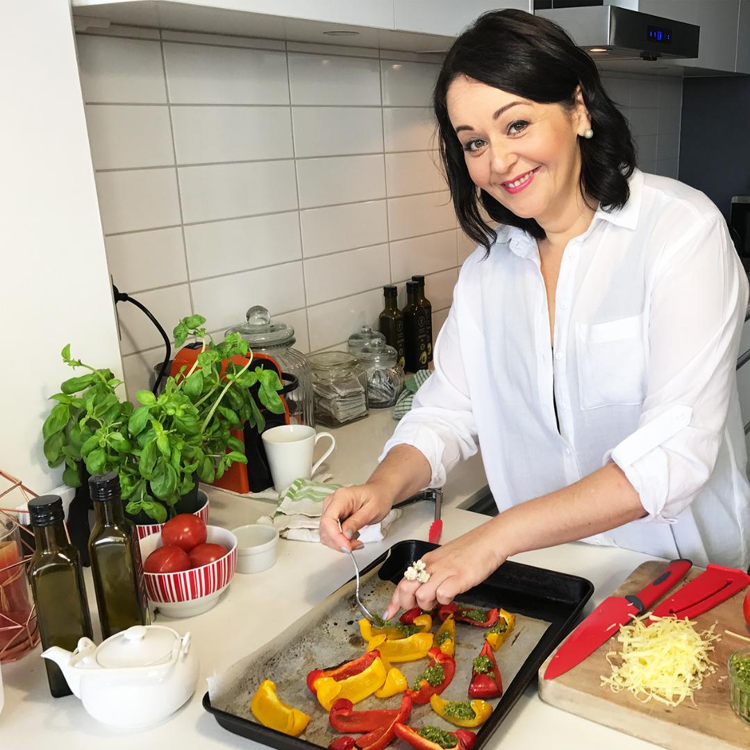monique bradley live in the kitchen